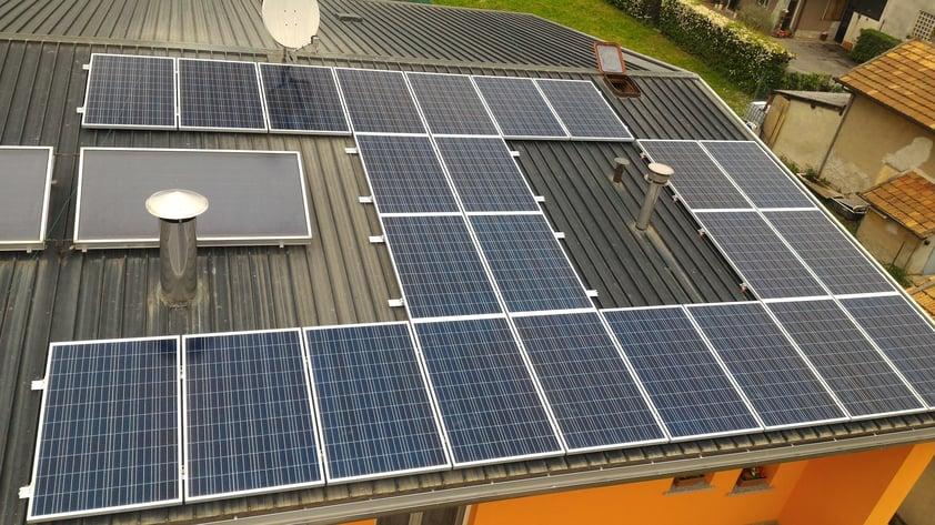 Caratteristiche dei Pannelli Fotovoltaici Amorfi.jpg