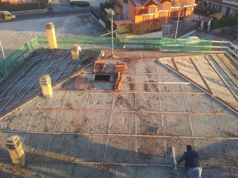 ristrutturazione tetto con impianto fotovoltaico 1.jpg